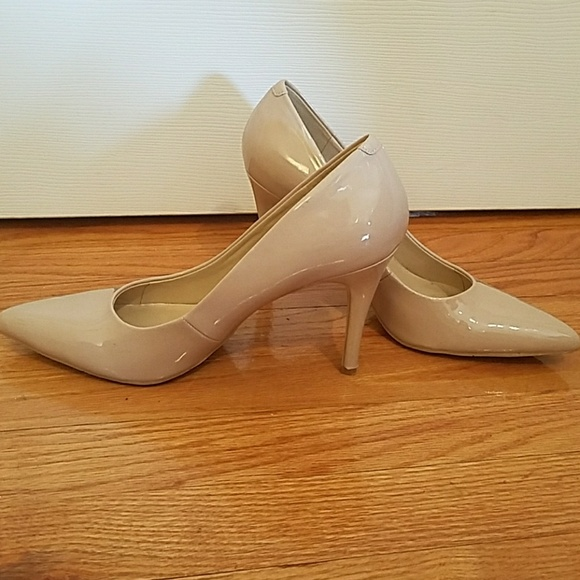 ce31e31baa4 Nine West Patent Nude Low Heel Stiletto Pumps